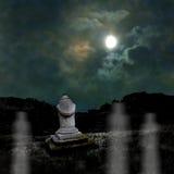 Зловещая темная ноча в тусклом лунном свете на хеллоуине Стоковая Фотография RF