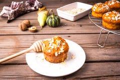 Здоровая еда - булочки тыквы с овсяной кашей Стоковые Фотографии RF