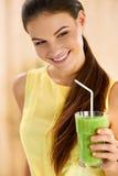 Здоровая еда, есть Сок вытрезвителя женщины выпивая Образ жизни, умирает Стоковые Фотографии RF