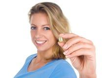 Здоровая капсула омеги 3 выставки женщины сердца Стоковое Изображение RF