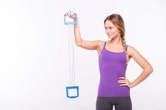 Здоровая молодая спортсменка делает тренировки Стоковое Изображение RF