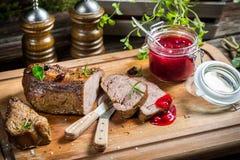 Здоровая оленина с клюквами и розмариновым маслом Стоковое Изображение