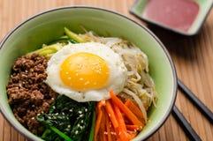 Здоровое домодельное блюдо Bibimbap Стоковая Фотография RF