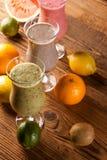 Здоровое питание, встряхивания протеина и плодоовощи Стоковые Изображения