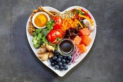 Здоровое питание для сердца и сердечно-сосудистой системы стоковые фотографии rf