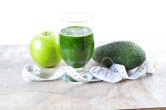 Здоровое питье зеленый smoothie Диета и вытрезвитель Стоковая Фотография