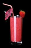 Здоровое стекло вкуса клубники smoothies на черноте Стоковое Фото