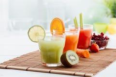 Здоровые красочные соки Стоковое Изображение