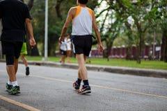 Здоровые люди образа жизни бежать на фитнесе и здоровом a Стоковая Фотография RF