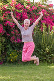 здоровый активный старший скакать женщины Стоковое фото RF
