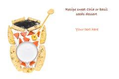 Здоровый завтрак с семенами и плодоовощами базилика Стоковая Фотография RF