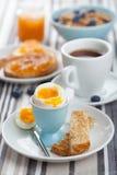 Здоровый завтрак с яичком и кофе Стоковое фото RF