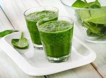 Здоровый зеленый smoothie стоковая фотография