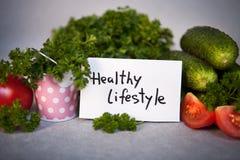Здоровый образ жизни - текст и овощи как концепция еды Стоковое Фото