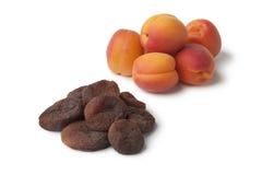 Здоровый плодоовощ свежих и солнца высушенного абрикоса Стоковое Фото