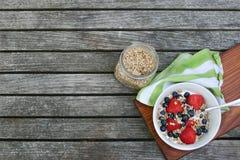 Здоровый свежий шар завтрака с ягодами Стоковое Фото
