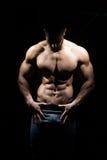 Здоровый человек с 6 пакетами Стоковые Изображения RF