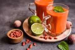 Здоровый smoothie с lychee, goji и известкой Стоковое Изображение