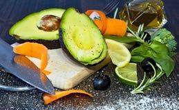 Здоровый vegetable завтрак с зрелым авокадоом Стоковое Фото