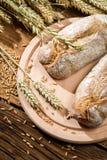 2 здоровых плюшки испеченной от свежего зерна Стоковое фото RF