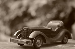 злоупотребляно как сбор винограда игрушки фотографа автомобиля мальчика Стоковое Изображение RF