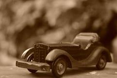 злоупотребляно как сбор винограда игрушки фотографа автомобиля мальчика Стоковое фото RF