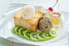 Здравица меда мороженого стоковое изображение