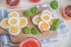Здравицы вареного яйца Стоковая Фотография RF
