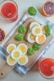 Здравицы вареного яйца Стоковое фото RF