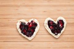Здравицы с вареньем в форме сердца Стоковая Фотография RF