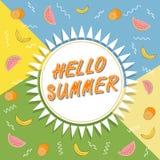 Здравствуйте! перемещение лета Каллиграфия тенденции Концепция летнего времени Стоковые Изображения RF