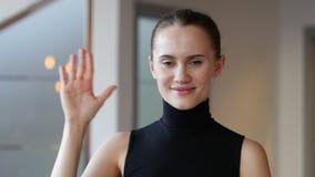 Здравствуйте!, рука женщины развевая сток-видео