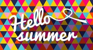 Здравствуйте! цитата лета на геометрической предпосылке цвета Стоковые Изображения