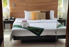 диаграмма слона от полотенец на кровати Стоковые Изображения RF