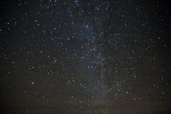 Играйте главные роли заполненное небо над горами Сан-Хуана снятыми в ноче Col SW Стоковое Изображение