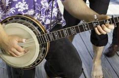 Играть банджо Стоковое Изображение
