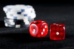 Играть в азартные игры на казино Стоковая Фотография RF