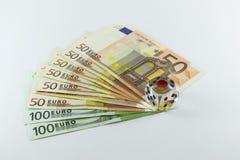 Играть в азартные игры с деньгами Стоковые Изображения RF