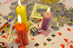 Играть в азартные игры с свечками Стоковая Фотография