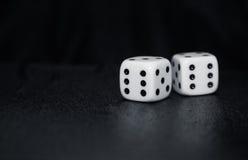 Играть в азартные игры dices Стоковые Изображения RF