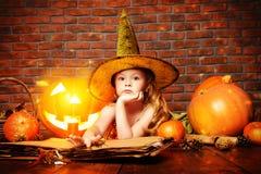 Играть в ведьме Стоковое Изображение