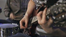Играть гитариста Конец-вверх arlington акции видеоматериалы