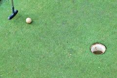 играть гольфа курса миниый стоковое фото rf