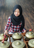 Играть девушки gamelan Стоковое фото RF