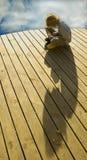 играть игры палубы мальчика Стоковая Фотография