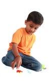 играть индейца мальчика стоковое изображение rf