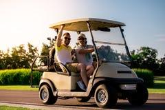 играть людей гольфа Стоковая Фотография RF
