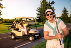 играть людей гольфа Стоковое Изображение