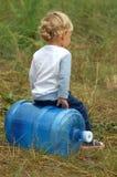 Играть маленького ребенка стоковые фото