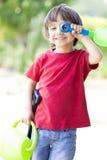играть мальчика симпатичный Стоковые Изображения